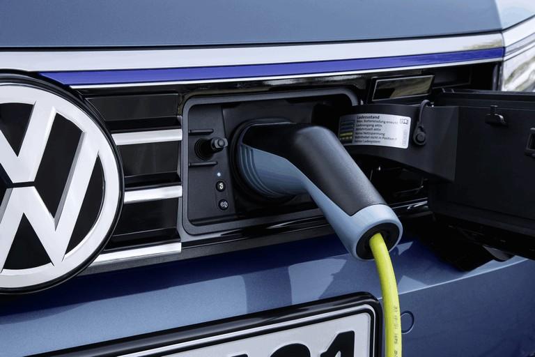 2015 Volkswagen Passat GTE 432627