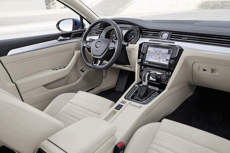 2015 Volkswagen Passat GTE 432628