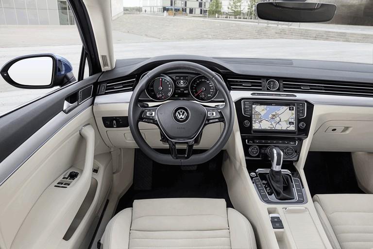 2015 Volkswagen Passat GTE 432629
