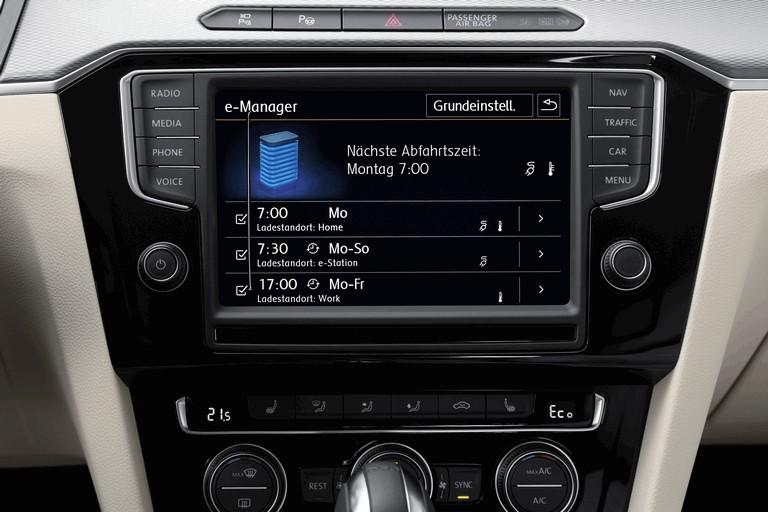 2015 Volkswagen Passat GTE 432634