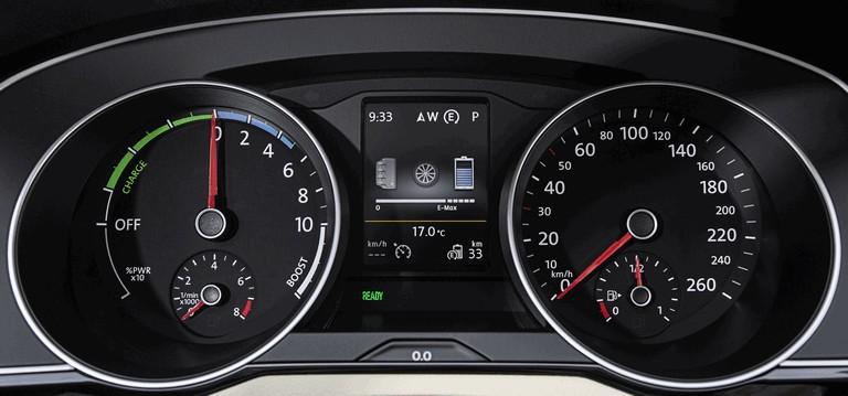 2015 Volkswagen Passat GTE 432635