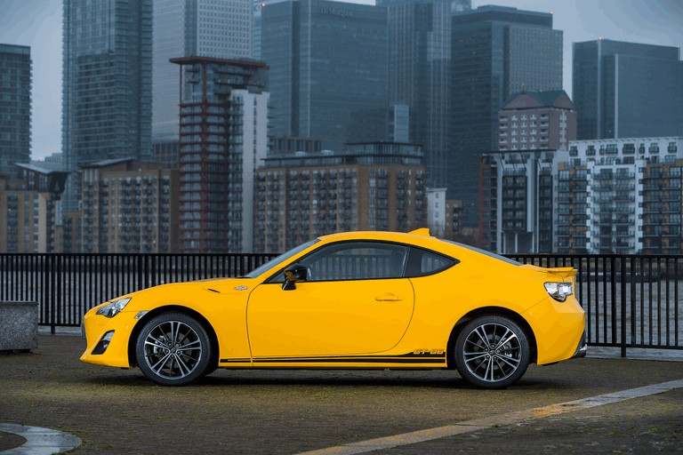 2015 Toyota GT86 Limited Edition Giallo 434496