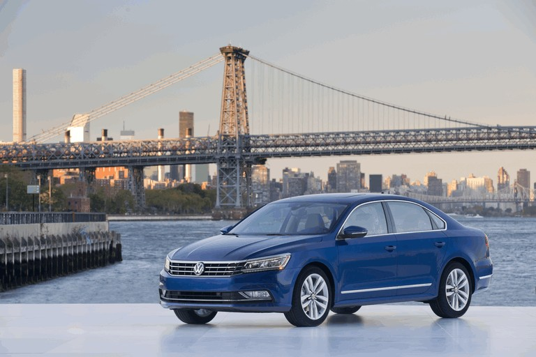 2016 Volkswagen Passat - USA version 435742