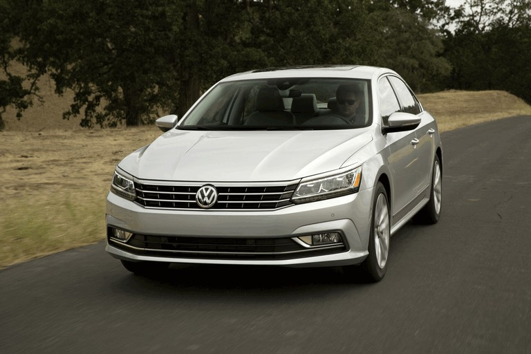 2016 Volkswagen Passat - USA version 435753
