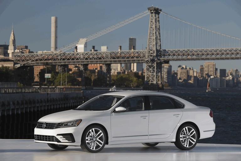2016 Volkswagen Passat - USA version 435757