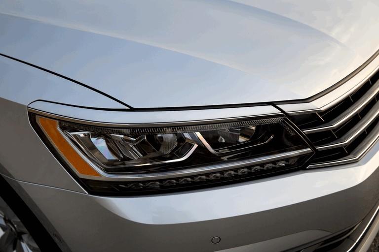 2016 Volkswagen Passat - USA version 435767