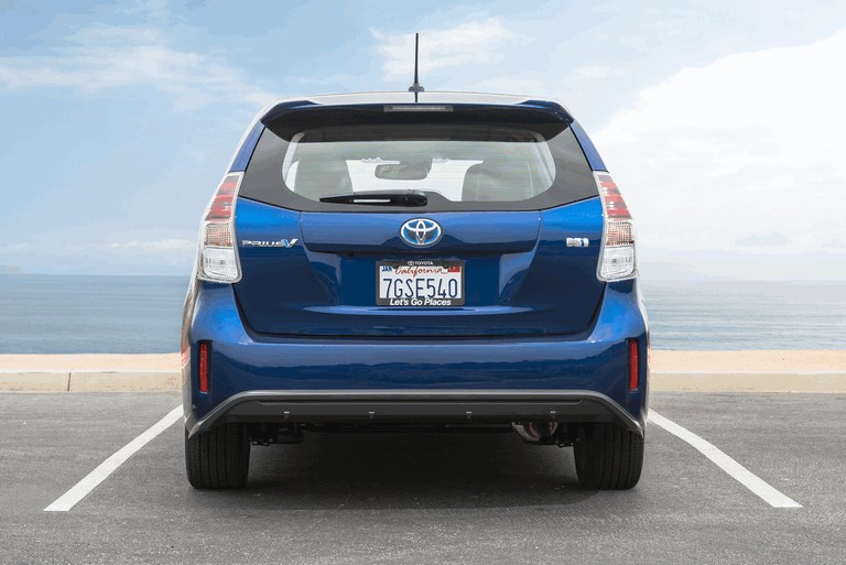 2016 Toyota Prius v 437265