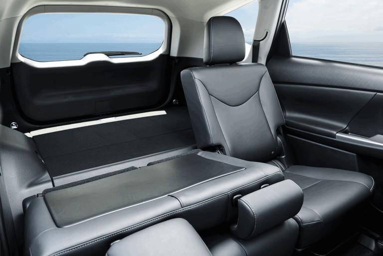 2016 Toyota Prius v 437286