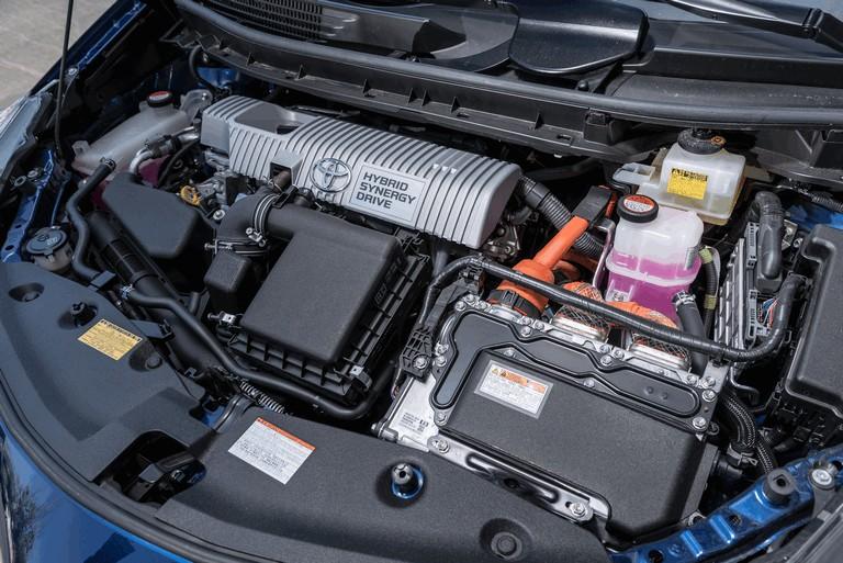 2016 Toyota Prius v 437291