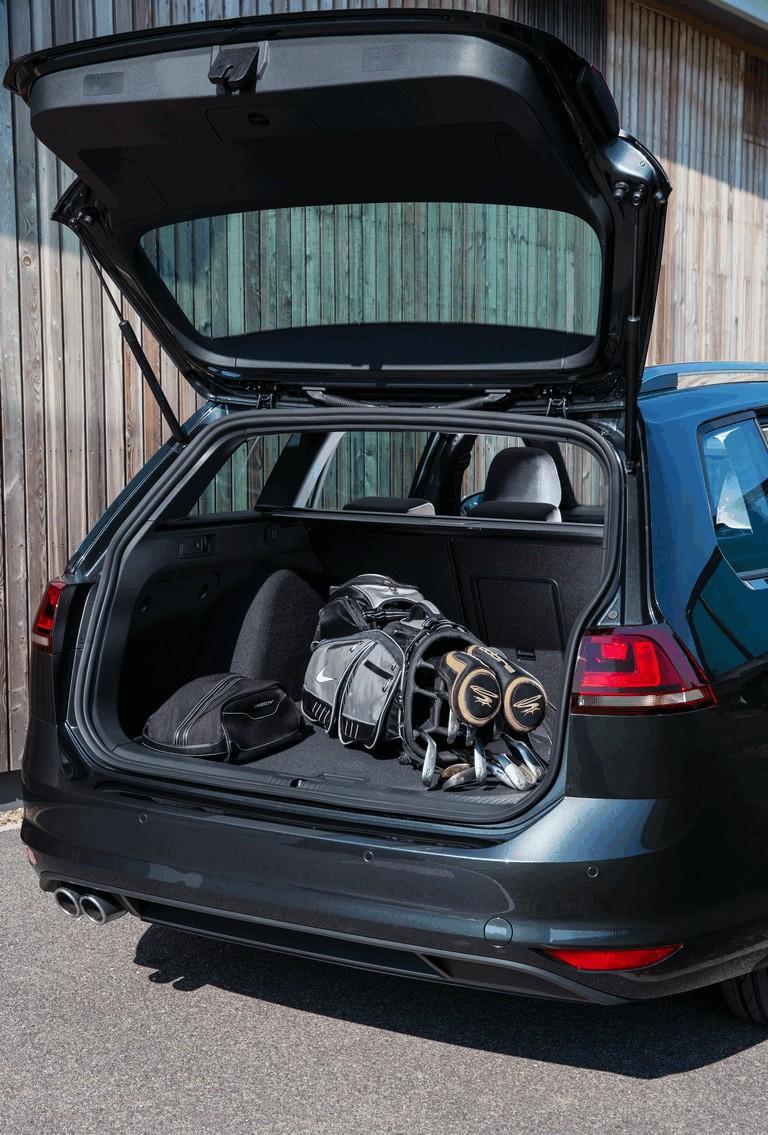 2016 Volkswagen Golf GTD Estate - UK version 438996