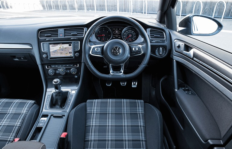 2016 Volkswagen Golf GTD Estate - UK version 438997