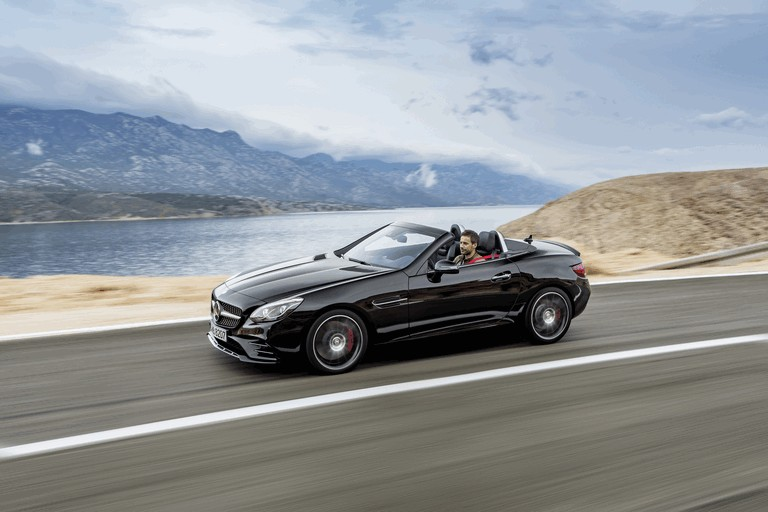 2016 Mercedes-AMG SLC 43 440910