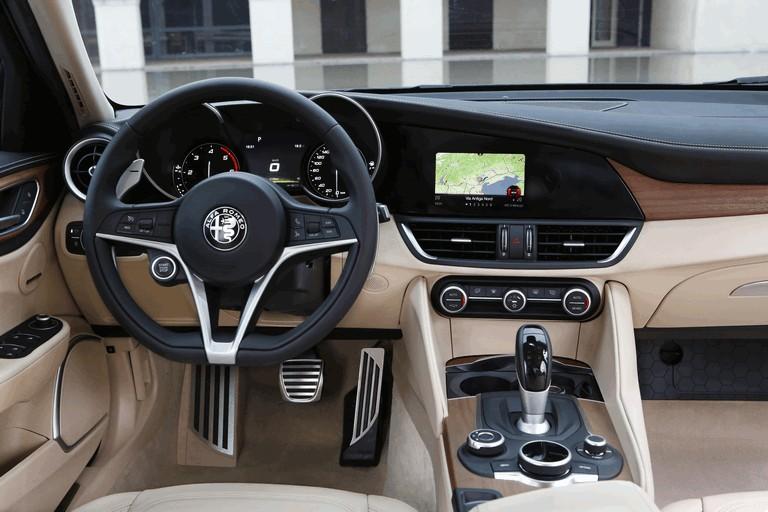 2016 Alfa Romeo Giulia 445633
