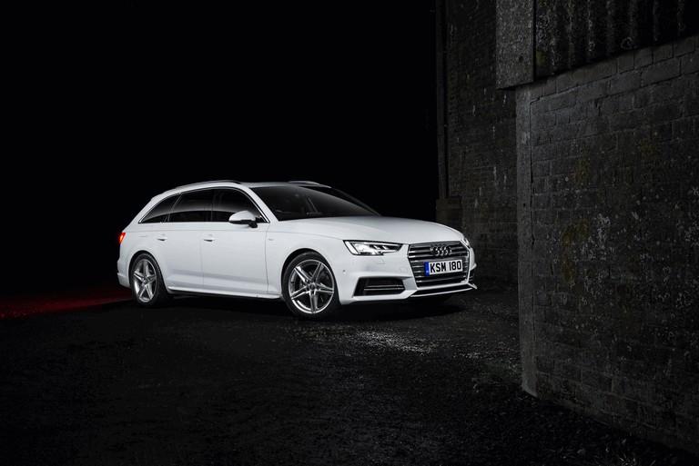 2016 Audi A4 Avant - UK version 442892