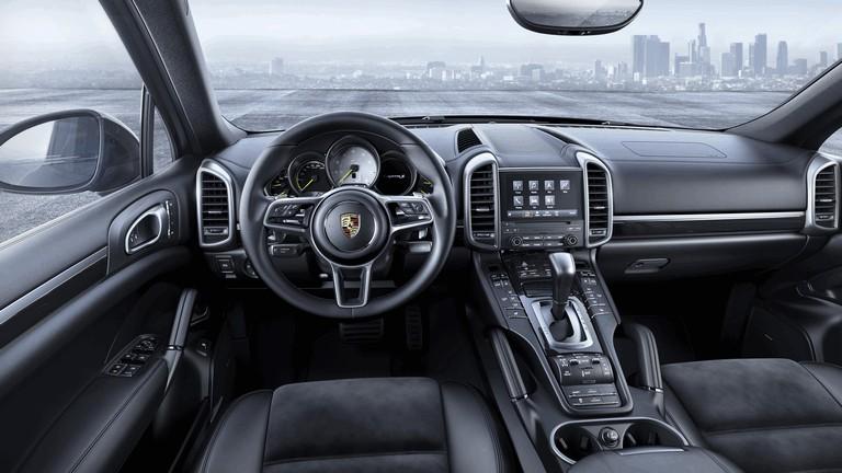 2016 Porsche Cayenne Platinum Edition 444932