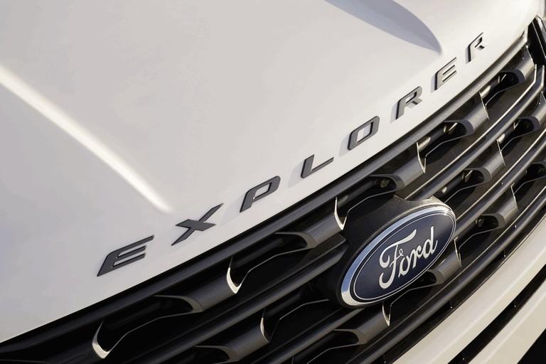 2017 Ford Explorer XLT Sport 450339