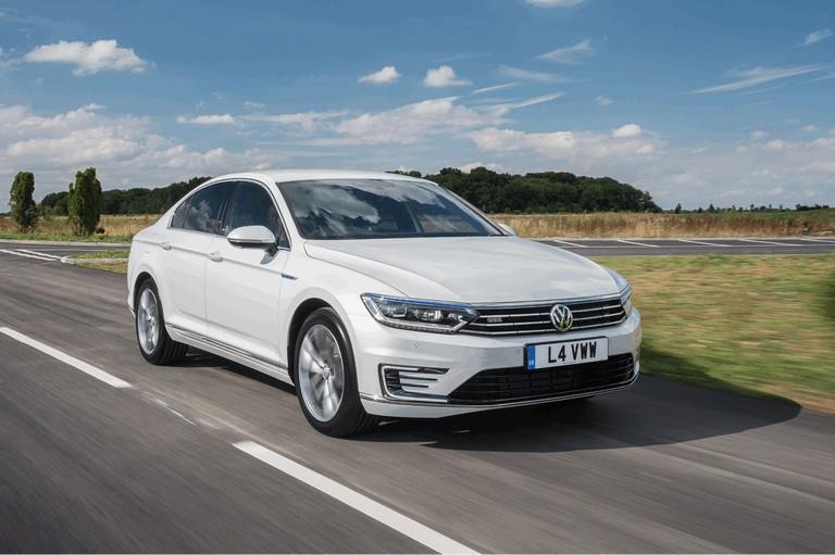 2017 Volkswagen Passat GTE - UK version 450348