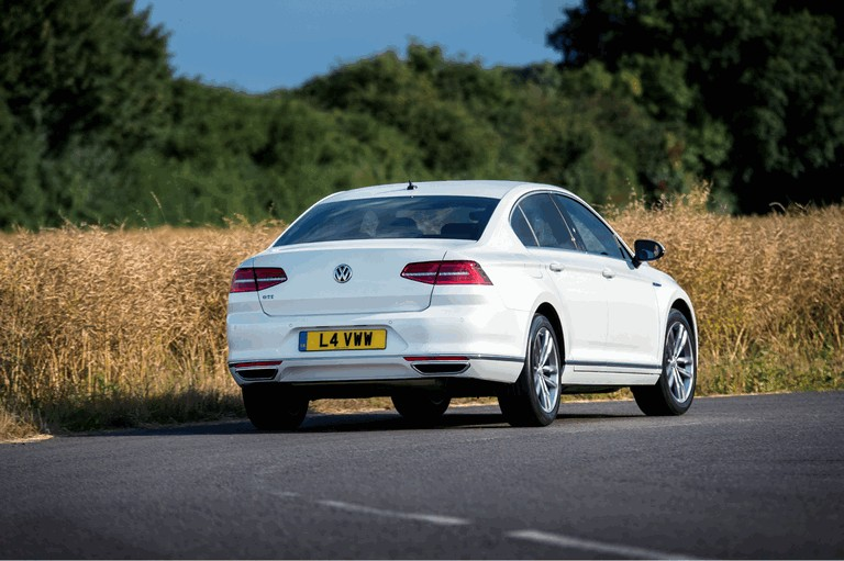 2017 Volkswagen Passat GTE - UK version 450353