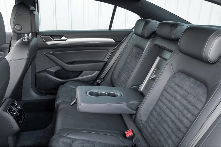 2017 Volkswagen Passat GTE - UK version 450367