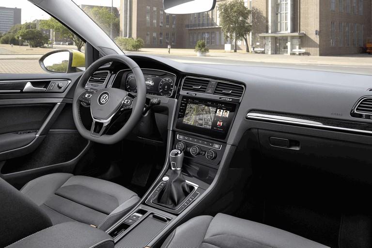 2017 Volkswagen Golf ( VII ) TSI 484195