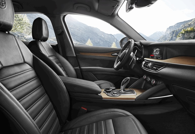 2017 Alfa Romeo Stelvio First Edition 457019