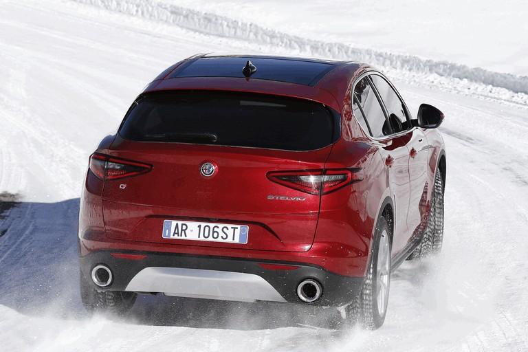 2017 Alfa Romeo Stelvio 457960