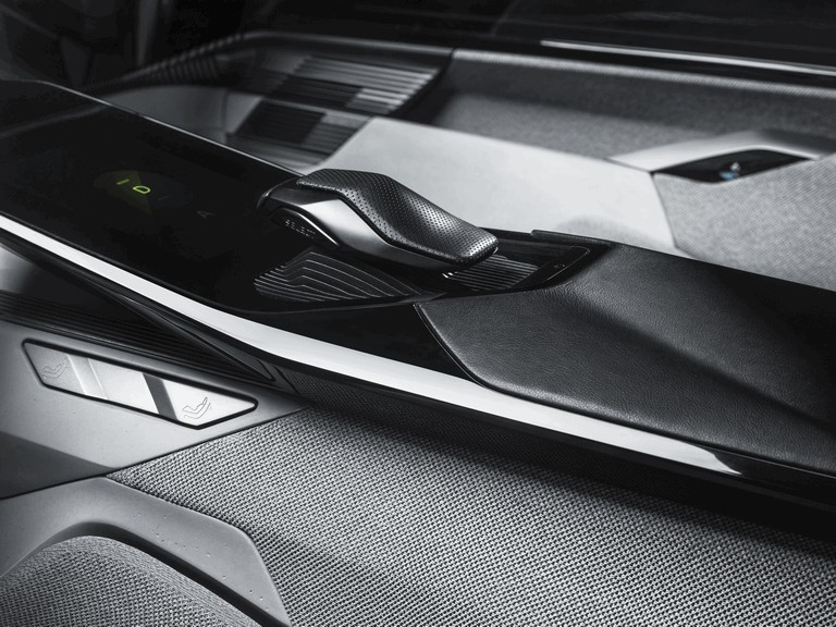 2017 Peugeot Instinct concept 459302