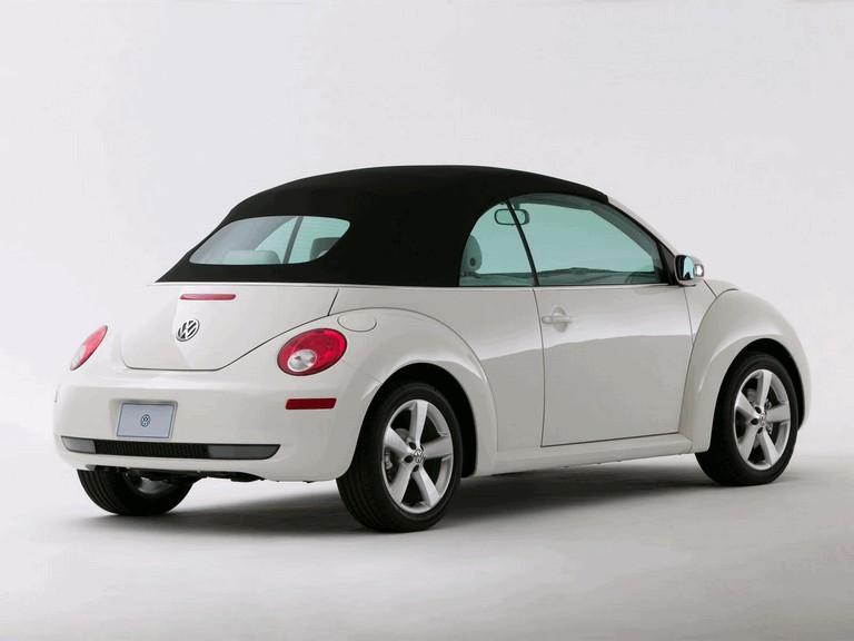 2007 Volkswagen Triple White New Beetle convertible 225286