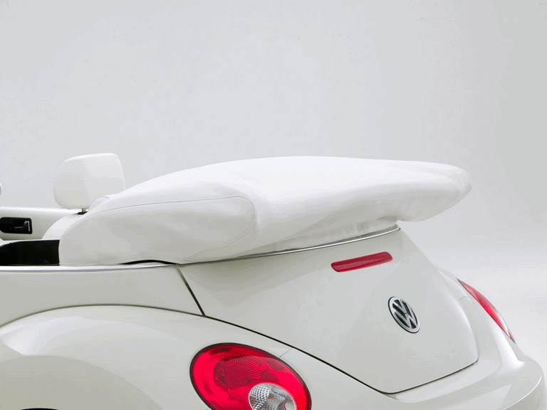 2007 Volkswagen Triple White New Beetle convertible 225287