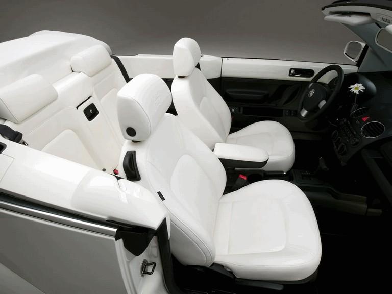 2007 Volkswagen Triple White New Beetle convertible 225290