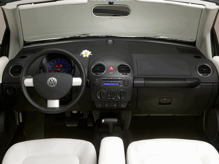 2007 Volkswagen Triple White New Beetle convertible 225291