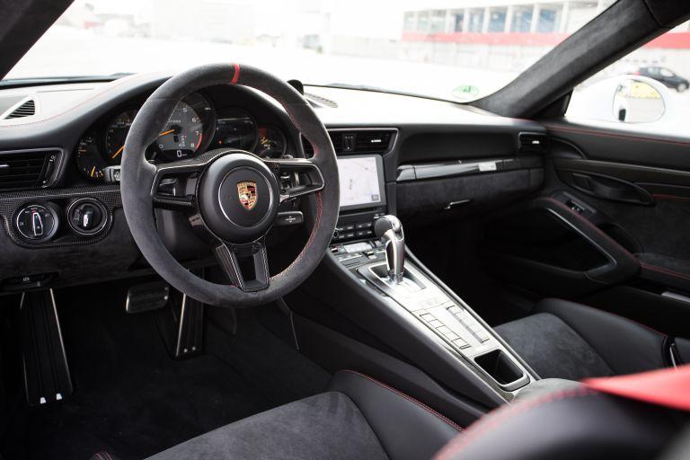 2018 Porsche 911 ( 991 type II ) GT2 RS 529365