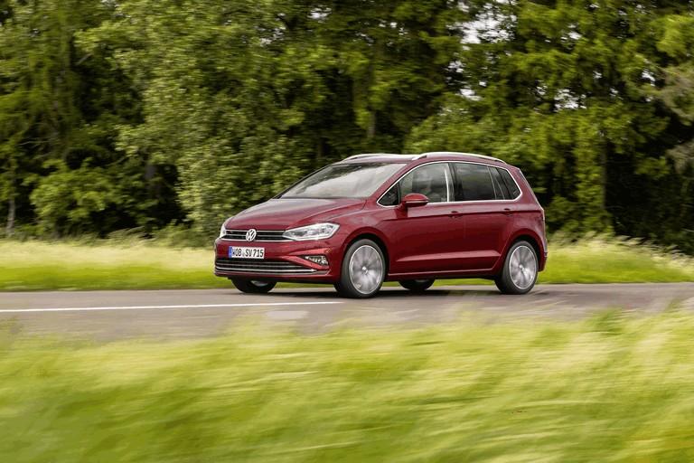 2017 Volkswagen Golf Sportsvan 465548