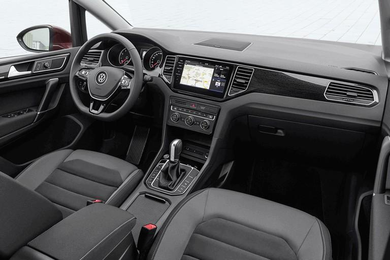 2017 Volkswagen Golf Sportsvan 465551