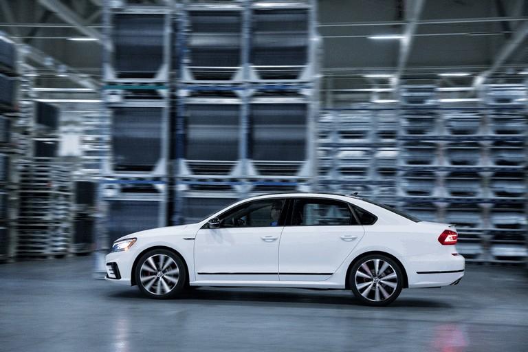 2018 Volkswagen Passat GT - USA version 470386