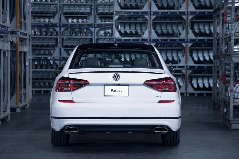 2018 Volkswagen Passat GT - USA version 470391