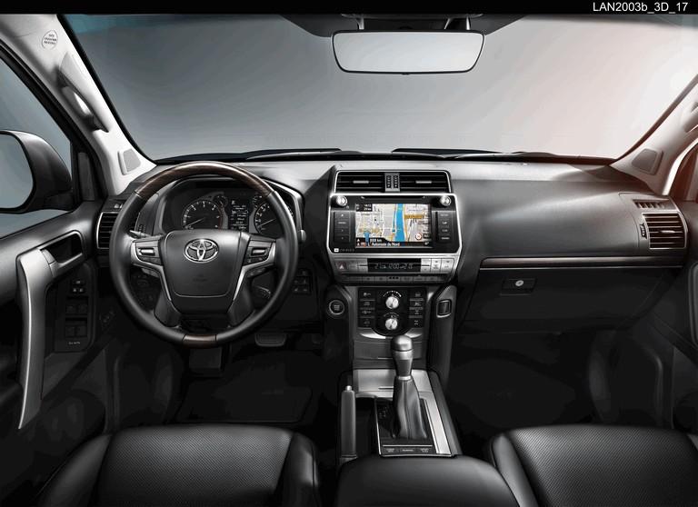 2017 Toyota Land Cruiser 470516