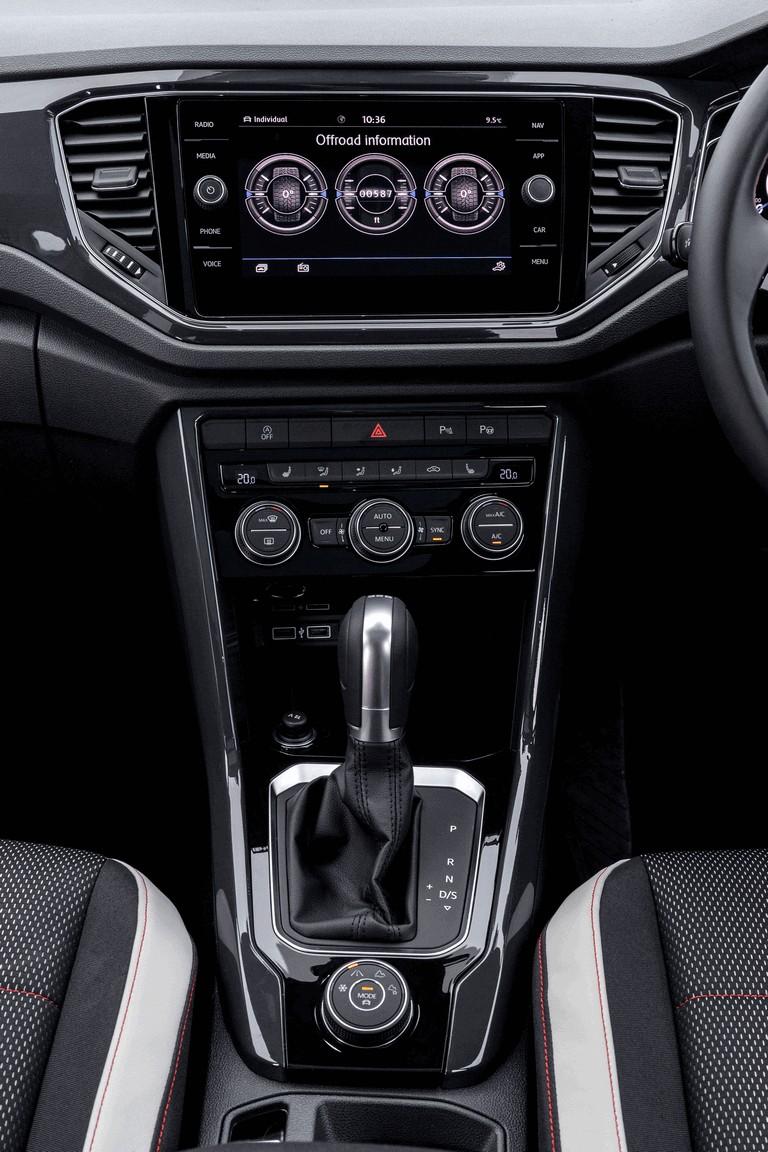 2018 Volkswagen T-Roc - UK version 473527