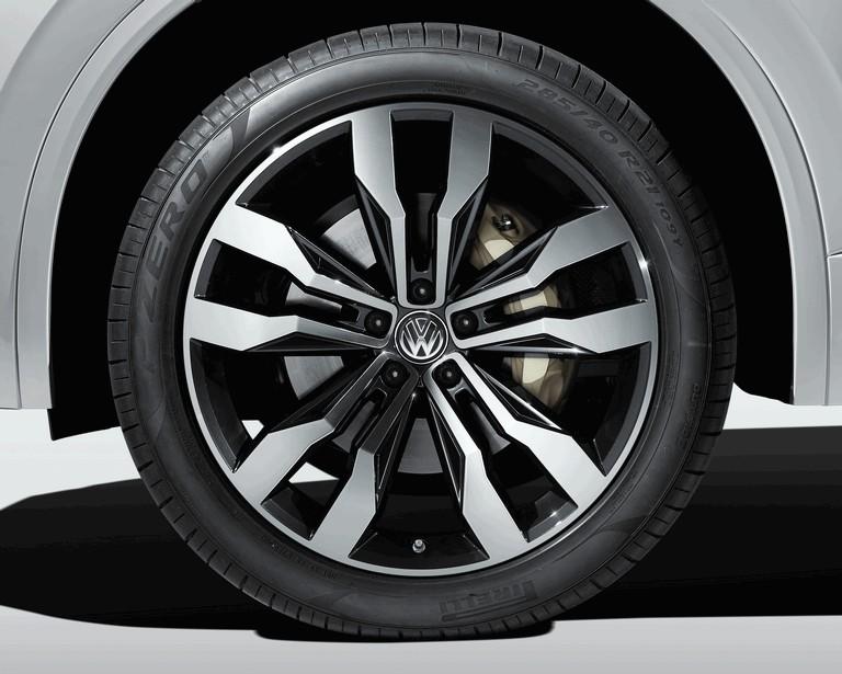 2018 Volkswagen Touareg 480365