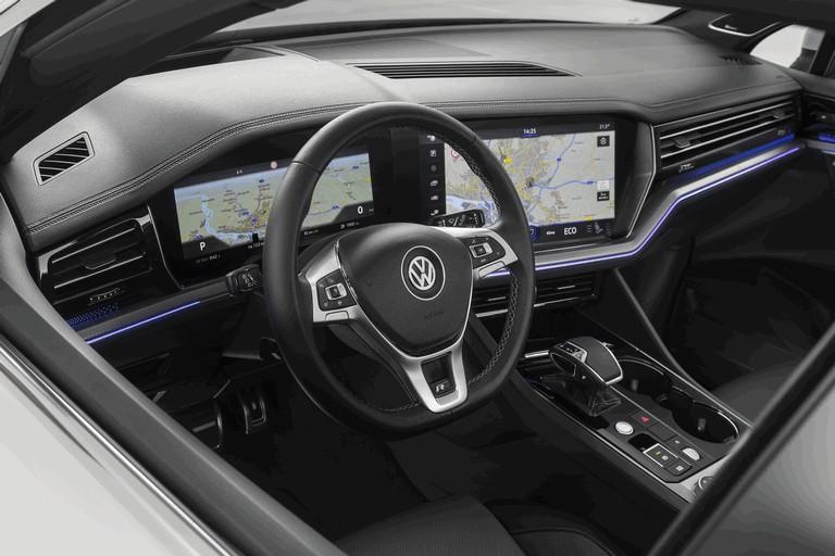 2018 Volkswagen Touareg 480368