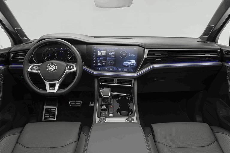 2018 Volkswagen Touareg 480370