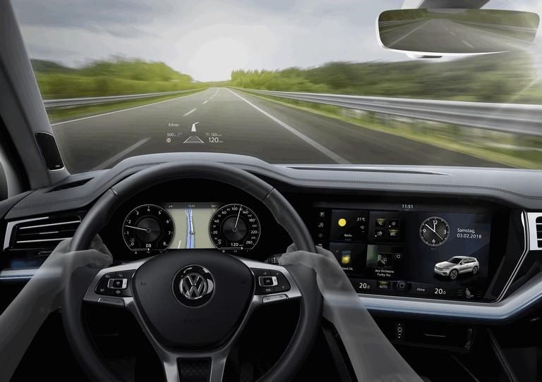 2018 Volkswagen Touareg 480378