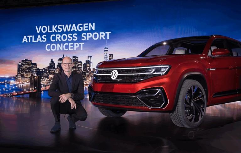 2018 Volkswagen Atlas Cross Sport concept 481636