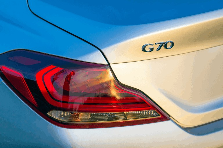 2019 Genesis G70 490759