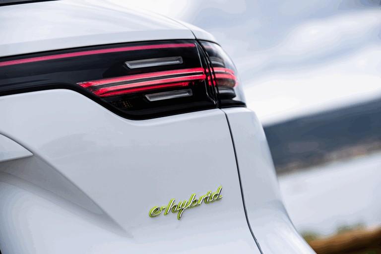 2019 Porsche Cayenne E-hybrid 491460