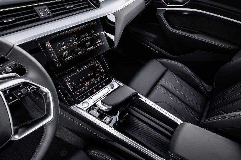 2019 Audi e-Tron 525009
