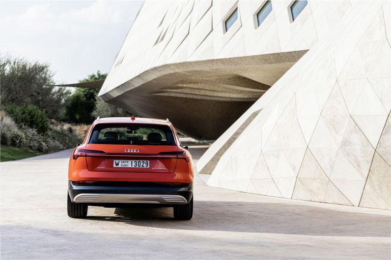 2019 Audi e-Tron 525026