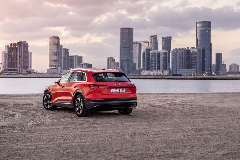 2019 Audi e-Tron 525041