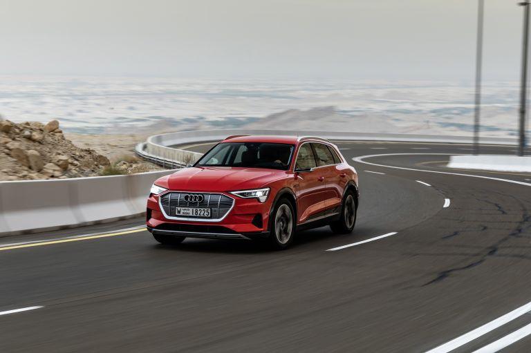 2019 Audi e-Tron 525045