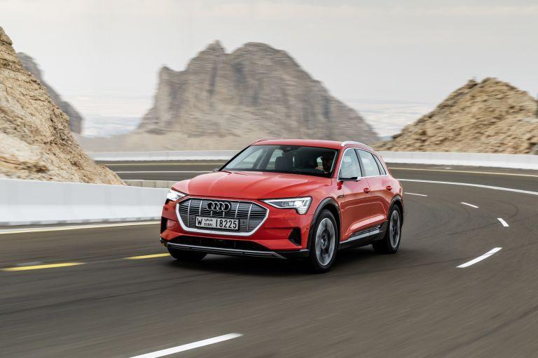 2019 Audi e-Tron 525048